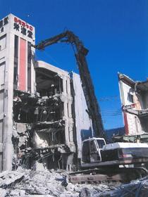 おもちゃ工場の解体